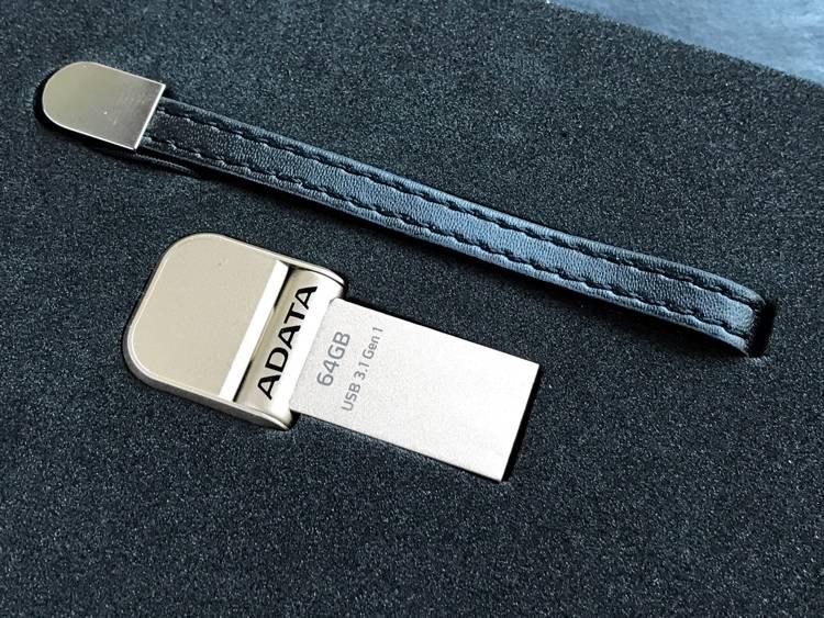 ADATA i-Memory Flash Drive  AI920