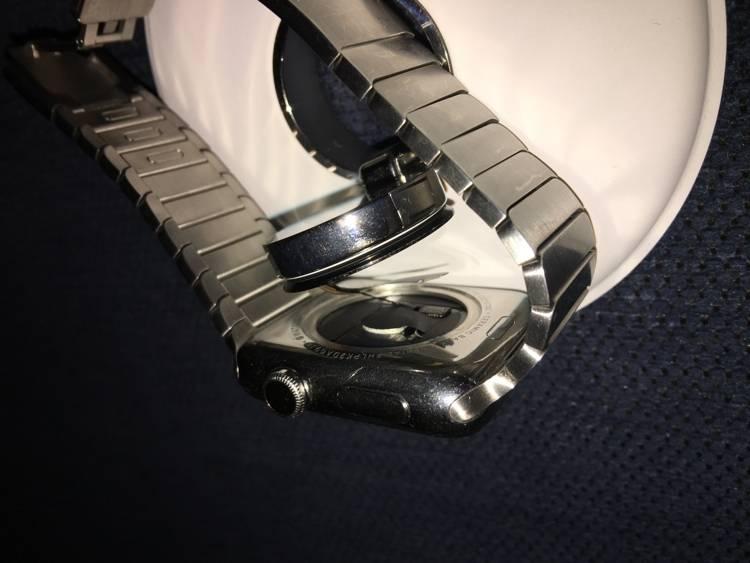 Apple Watch fall off
